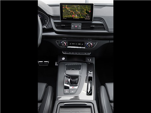 Audi SQ5 3.0 TFSI 2018 центральная консоль