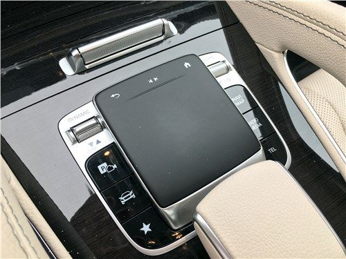 Mercedes-Benz GLS 2020 тачпад