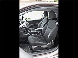 Предпросмотр peugeot 208 2013 передние кресла