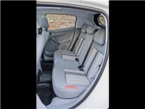 Peugeot 208 2013 задний диван