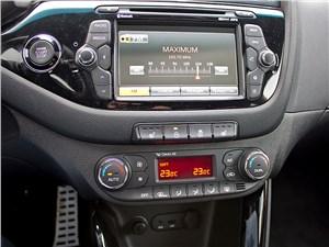 Kia Pro cee'd 2013 3 дв. центральная консоль