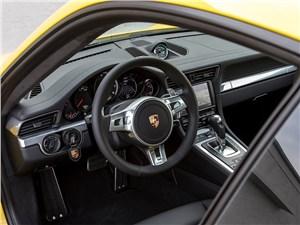 Предпросмотр porsche 911 turbo 2013 водительское место