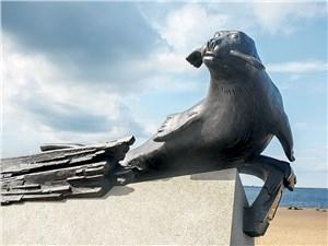 Памятник тюленю-спасителю – напоминание о самых тяжелых страницах поморской истории
