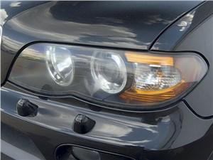 BMW X5 2004 передняя фара