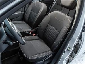 Renault Sandero 2013 передние кресла