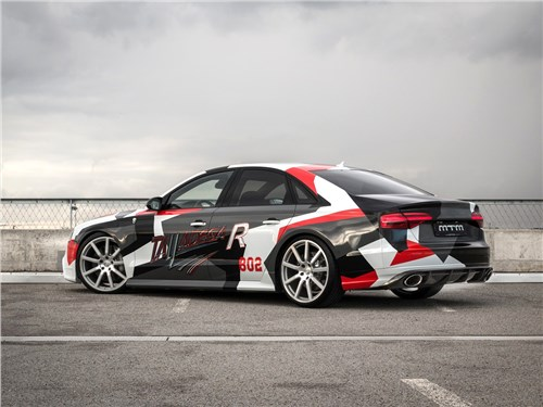 MTM | Audi S8 вид сзади