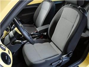 Volkswagen Beetle 2015 передние кресла