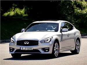 Infiniti опубликовала цены на обновленный седан Q70 в России