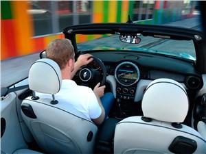 Спутники лета (Обзор российского рынка открытых автомобилей - 2006) Cabrio - MINI Cooper Convertible 2016 салон