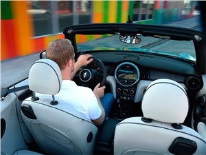 Навстречу лету, навстречу ветру.. (BMW 6 Series Cabrio, Citroen C3 Pluriel, Mercedes-Benz SLK, MINI Convertible, Peugeot 307 CC, Porsche 911 Cabriolet, Porsche Boxster, Volkswagen New Beetle Cabrio) Cabrio - MINI Cooper Convertible 2016 салон