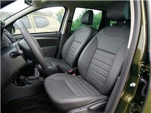 Renault Duster 2015 передние кресла
