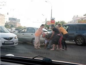 В КоАП и УК внесут поправки о потасовках на дорогах