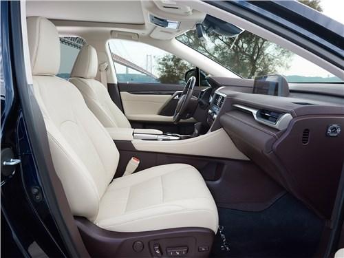 Lexus RX 2016 передние кресла