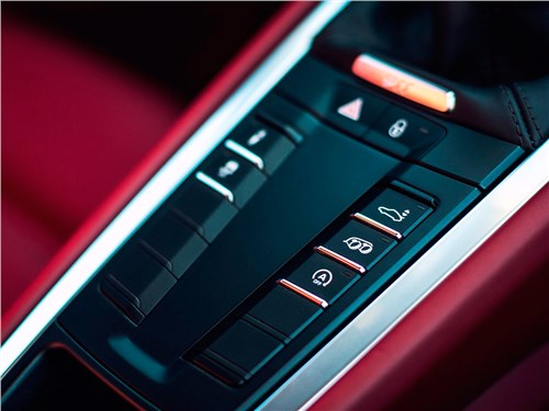 Предпросмотр porsche 911 carrera s 2016 центральный тонель