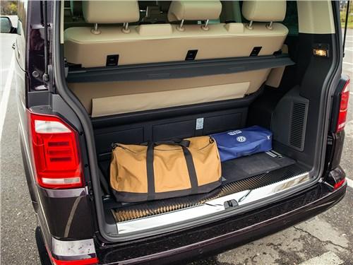 Volkswagen Multivan 2015 багажное отделение