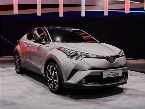 Toyota C-HR 2016 вид спереди сбоку