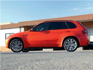 Fostla / BMW X5 M вид сбоку