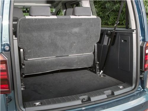 Предпросмотр volkswagen caddy maxi 2016 багажное отделение