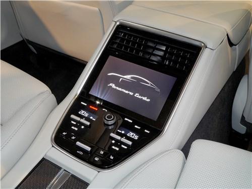 Предпросмотр porsche panamera 2017 консоль для пассажиров