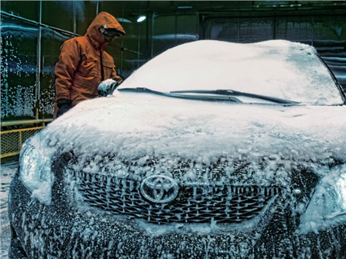 Новость про Toyota - Петербуржский завод Toyota начал работать в две смены
