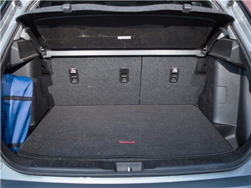 Suzuki Vitara S 2016 багажное отделение