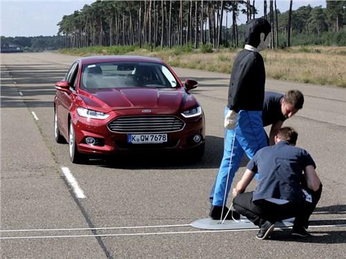 Новость про Ford - Ford научился распознавать пешеходов