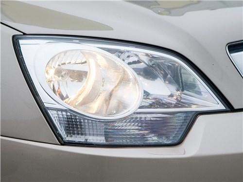 Opel Antara 2011 передняя фара