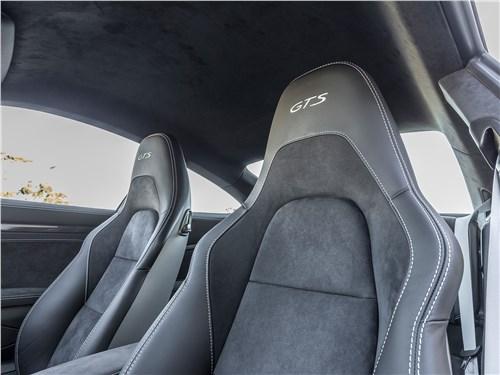 Porsche 911 GTS 2018 кресла