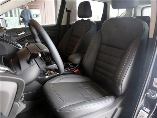 Предпросмотр ford kuga 2017 передние кресла