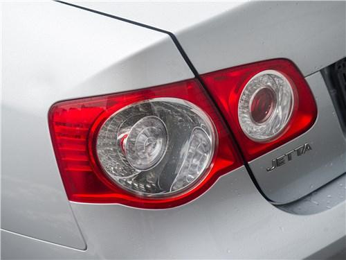 Volkswagen Jetta 2008 задний фонарь