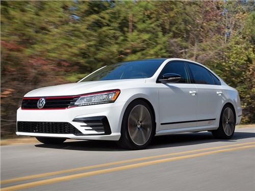 Новость про Volkswagen Passat - Volkswagen представил прототип «заряженного» Passat GT