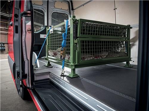 Предпросмотр mercedes-benz sprinter 2018 багажное отделение