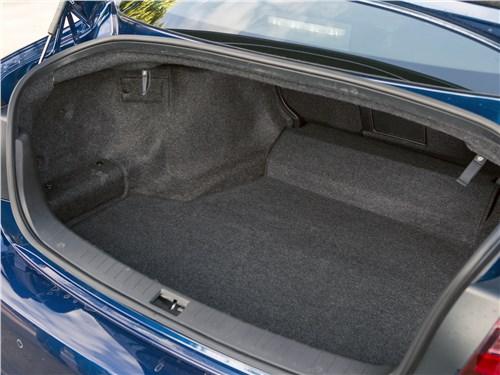 Infiniti Q50 2016 багажное отделение