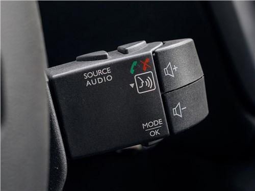 Renault Dokker 2018 подрулевой джойстик