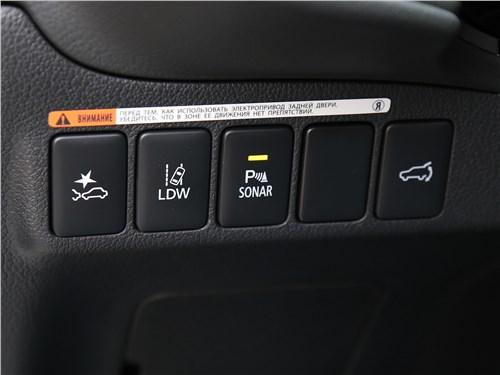 Mitsubishi Outlander 2018 кнопки