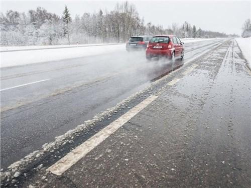 Названа причина слякоти на российских дорогах