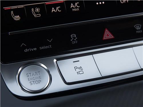 "Audi Q8 2019 кнопка ""старт-стоп"""