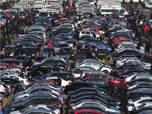 Украина запретила российские автомобили