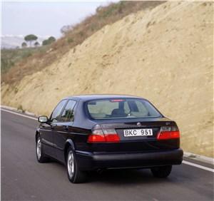 Предпросмотр saab 9-5 2001 седан вид сзади в динамике