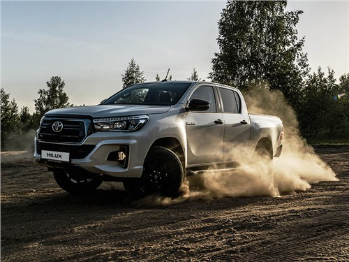 Новость про Toyota HiLux - Toyota Hilux Exclusive Black