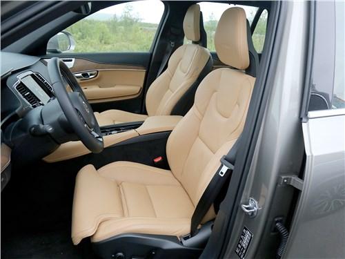 Volvo XC90 2020 передние кресла