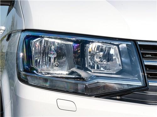 Volkswagen Caravelle 2015 передняя фара