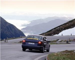 Предпросмотр saab 9-5 2001 седан тест на дороге в горной местности