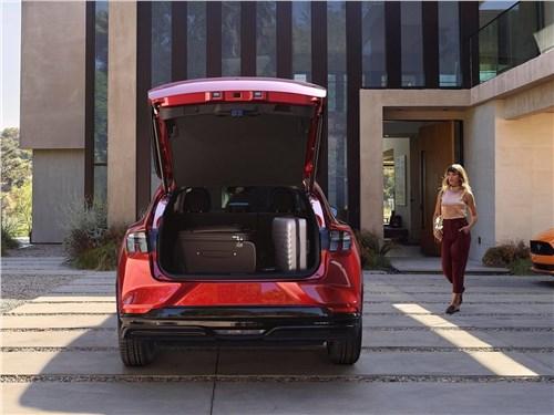 Предпросмотр ford mustang mach-e 2021 багажное отделение