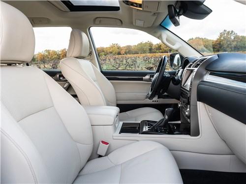 Lexus GX 2020 передние кресла