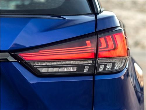 Lexus RX 2020 задний фонарь