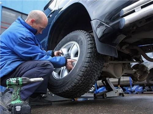 Синоптики посоветовали водителям готовиться к смене резины