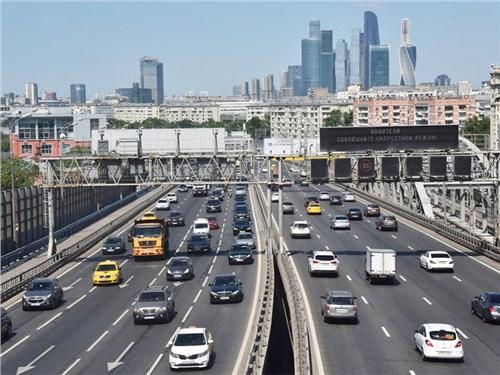 В России снова предложили отменить транспортный налог. Получится ли?