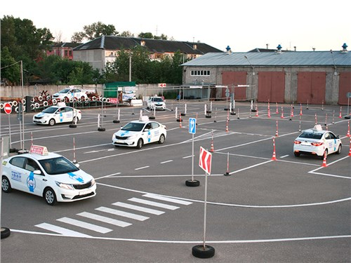 Водительские экзамены будут проводиться на утвержденных дорогах