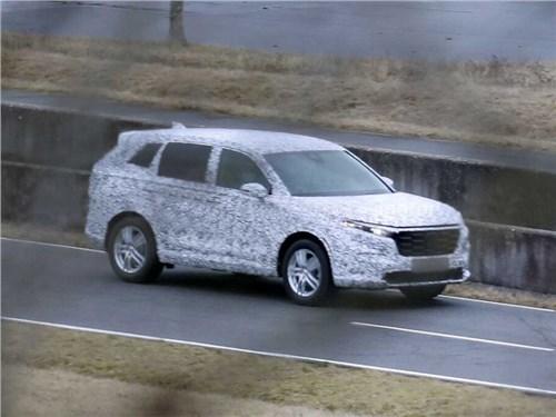 Новую Honda CR-V запечатлели на тестах
